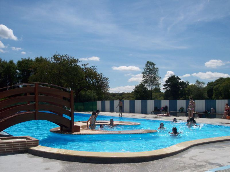 La piscine sizun site officiel de la commune for Piscine en anglais