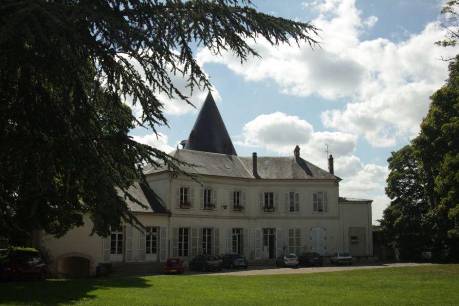 La tour du ch teau trie ch teau site officiel de la for Piscine trie chateau