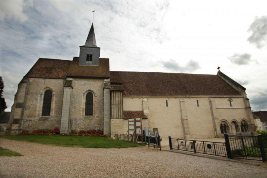 L 39 glise sainte marie madeleine trie ch teau site for Piscine trie chateau